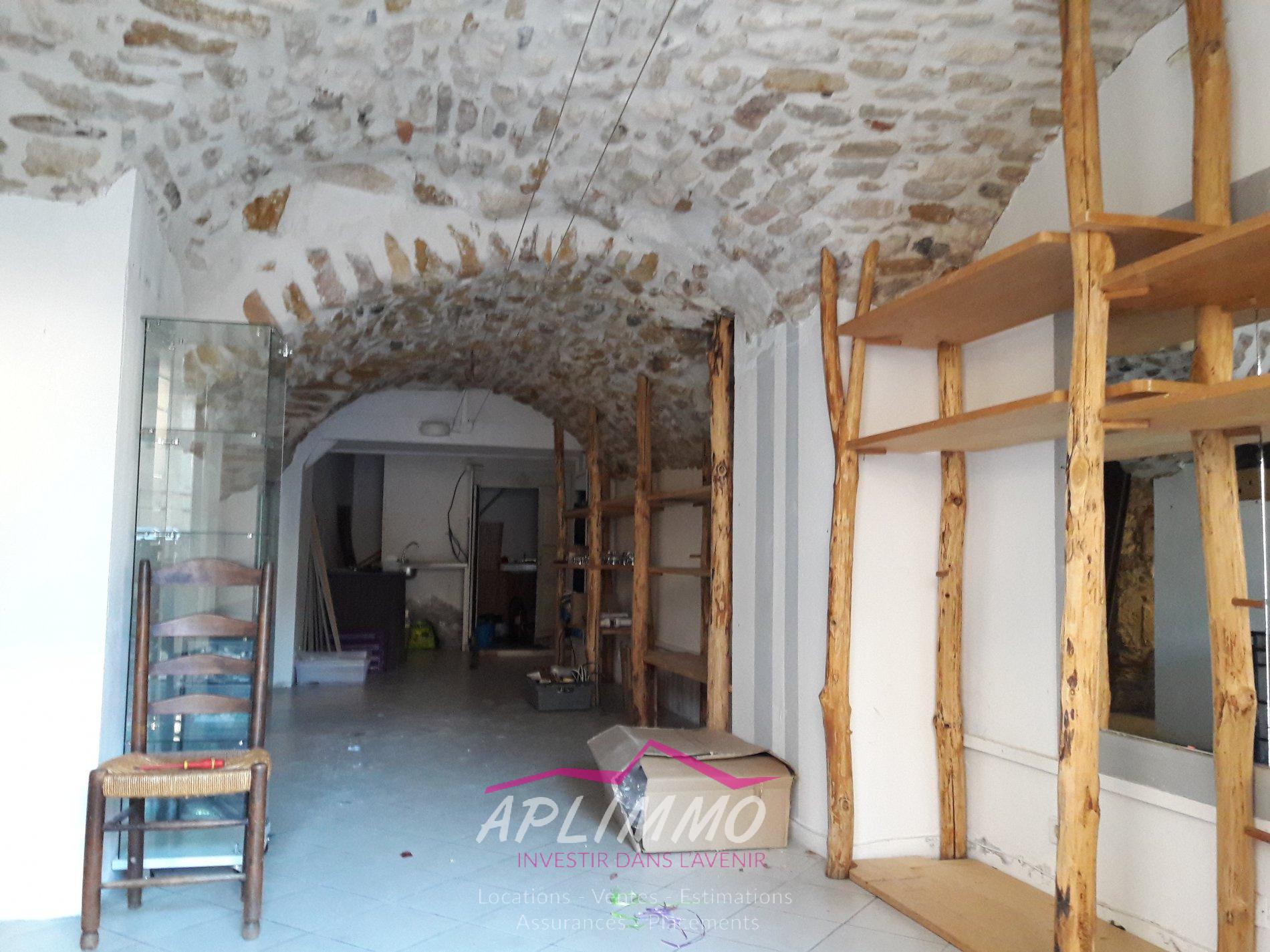 Location Immobilier Professionnel Local commercial Vallon-Pont-d'Arc (07150)